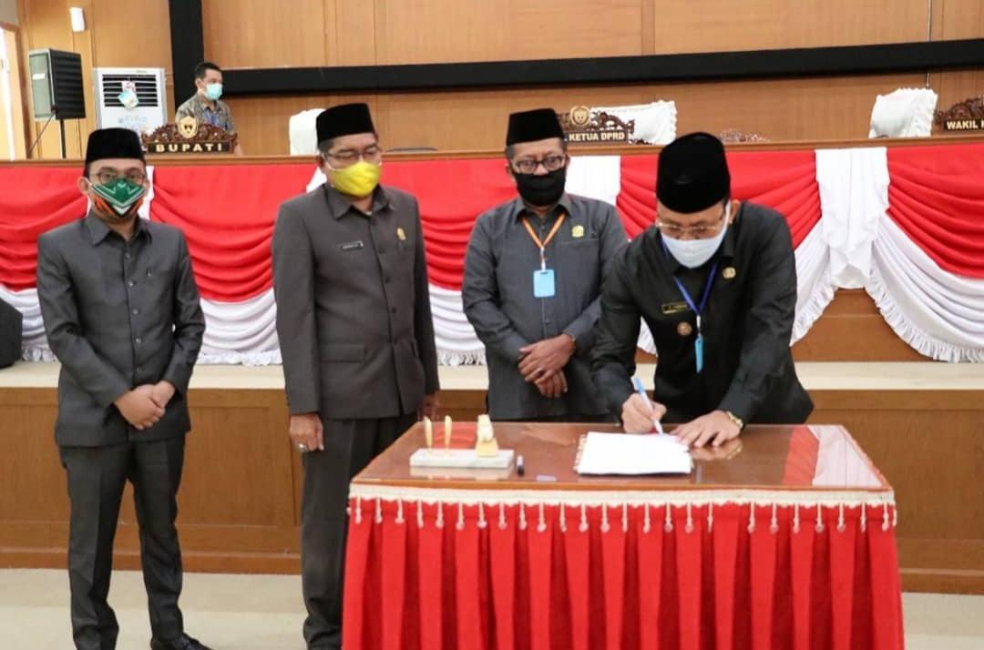 7 Raperda Kabupaten Muara Enim Tahun 2020 Resmi Disahkan.