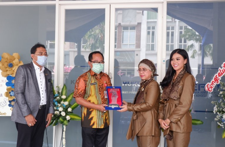 Hj Nurmalah SM MH Buka Kantor Cabang di Semarang
