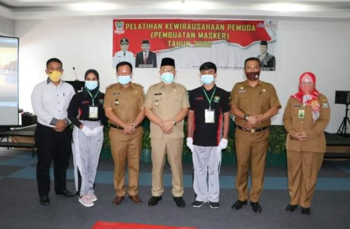 Dorong Munculnya Wirausaha Muda Ditengah Pandemi Covid-19, Pemkab. Muara Enim Gelar Pelatihan Pembuatan Masker Bagi Pemuda
