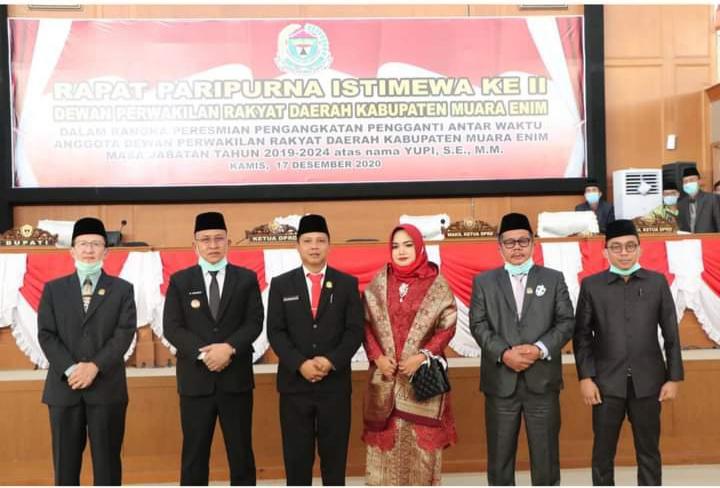 Ketua DPRD Muara Enim Lantik Anggota PAW