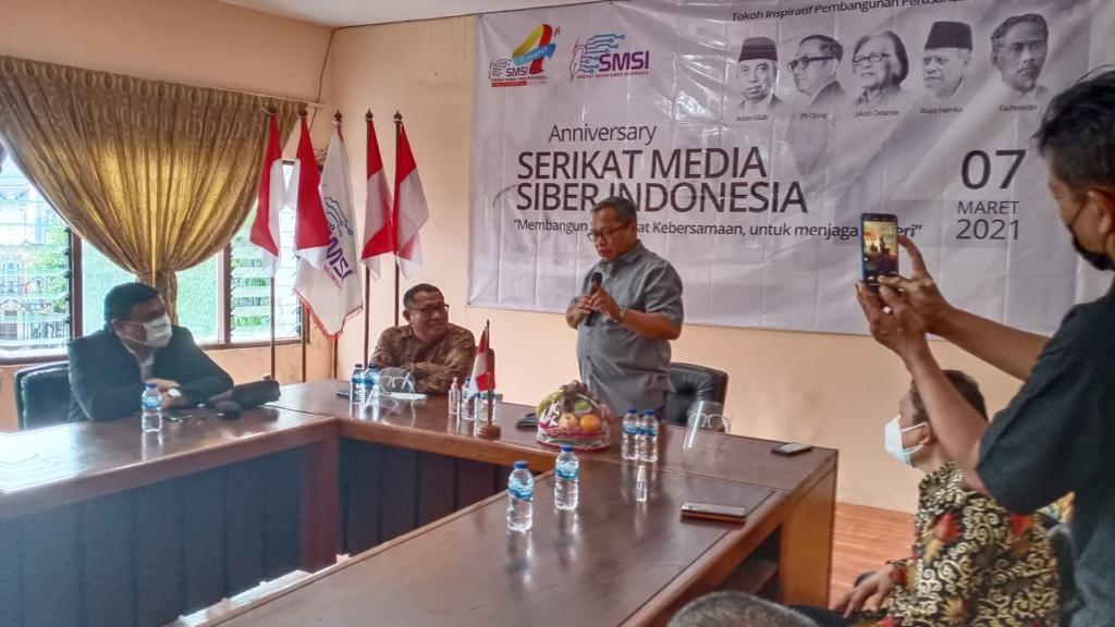 PK Ojong- Jakob Oetama Mengutamakan Watak Baik dalam Menerima Karyawan