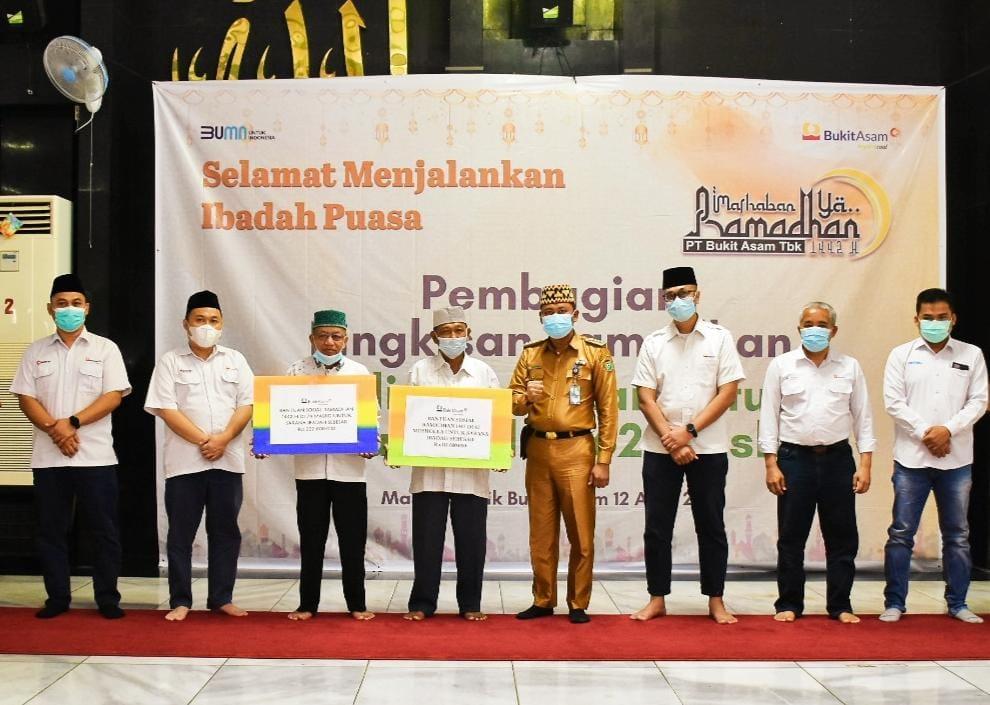 PTBA Bantu 74 Masjid Dan 62 Musholla Jelang Ramadhan 1442 Hijriah