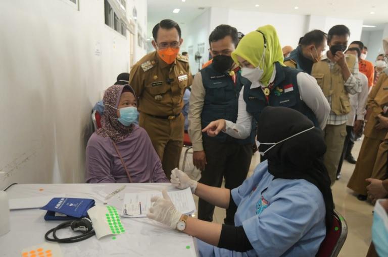 Capaian Sentra Vaksinasi BPBD Jabar di Kabupaten Bekasi Lampaui Target