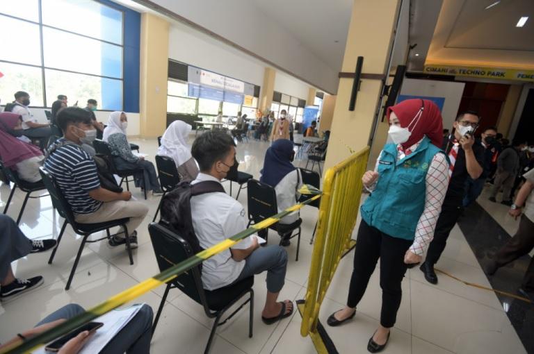 Capaian Sentra Vaksinasi BPBD Jabar di Kota Cimahi Lampaui Target