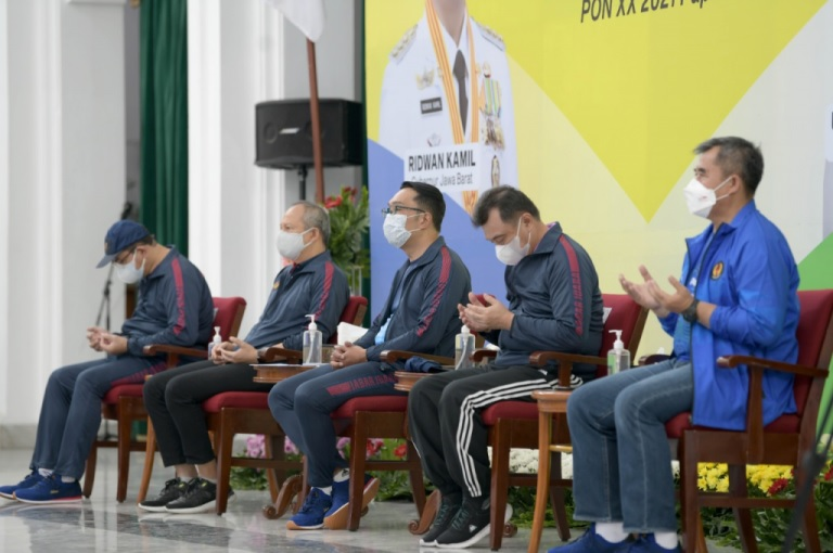 Gubernur Ridwan Kamil Lepas Kontingen PON Jabar
