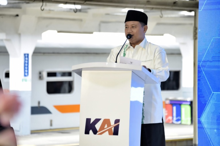 PT KAI Berinovasi, Pak Uu Ajak Warga Jabar Gunakan Kereta Api