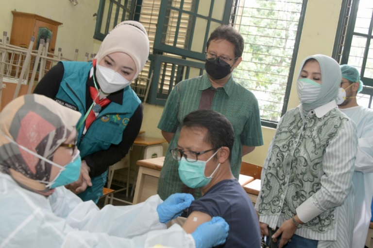 Vaksinasi Alumni SMAN 5 Bandung Sediakan 1.000 Dosis Vaksin bagi Siswa dan Orang Tua