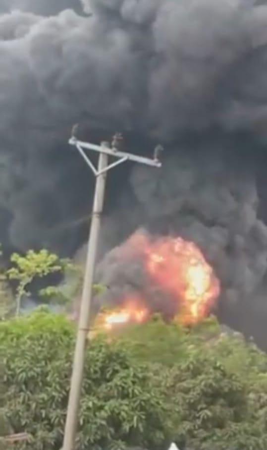 Lagi-lagi Tempat Penyulingan Minyak Ilegal Di Muba Terbakar
