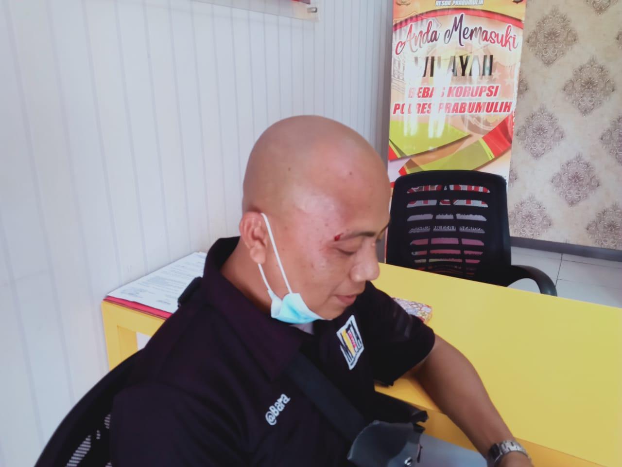Diduga Tak Senang Ditegur, Pengunjung Dinas PUPR Prabumulih Aniaya Wartawan