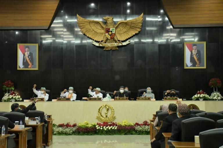 76 Tahun Jawa Barat, DPRD Apresiasi Kinerja Pemda Provinsi Menangani COVID-19