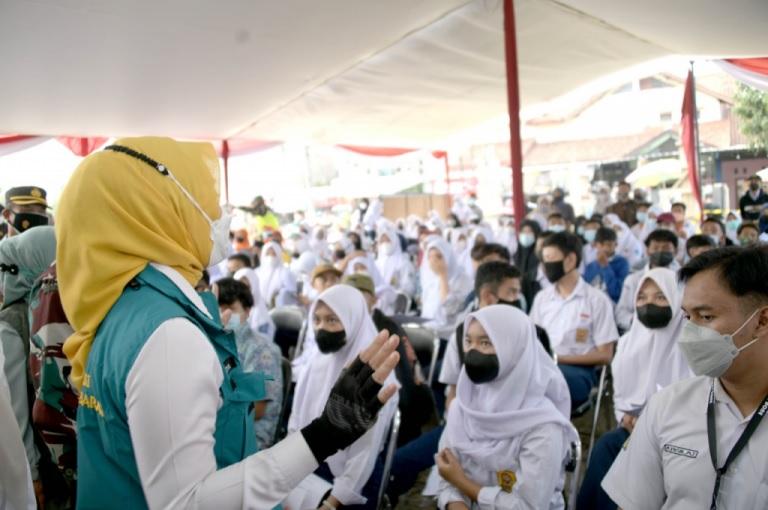 Atalia Tinjau Beberapa Titik Gebyar Vaksinasi Jabar Juara