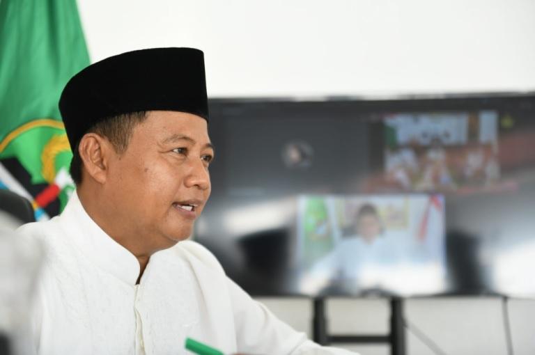 Uu Ruzhanul Ulum Saksi Penobatan Sultan Baru Cirebon Pemda Prov Jabar–Kesultanan Kolaborasi Majukan Budaya